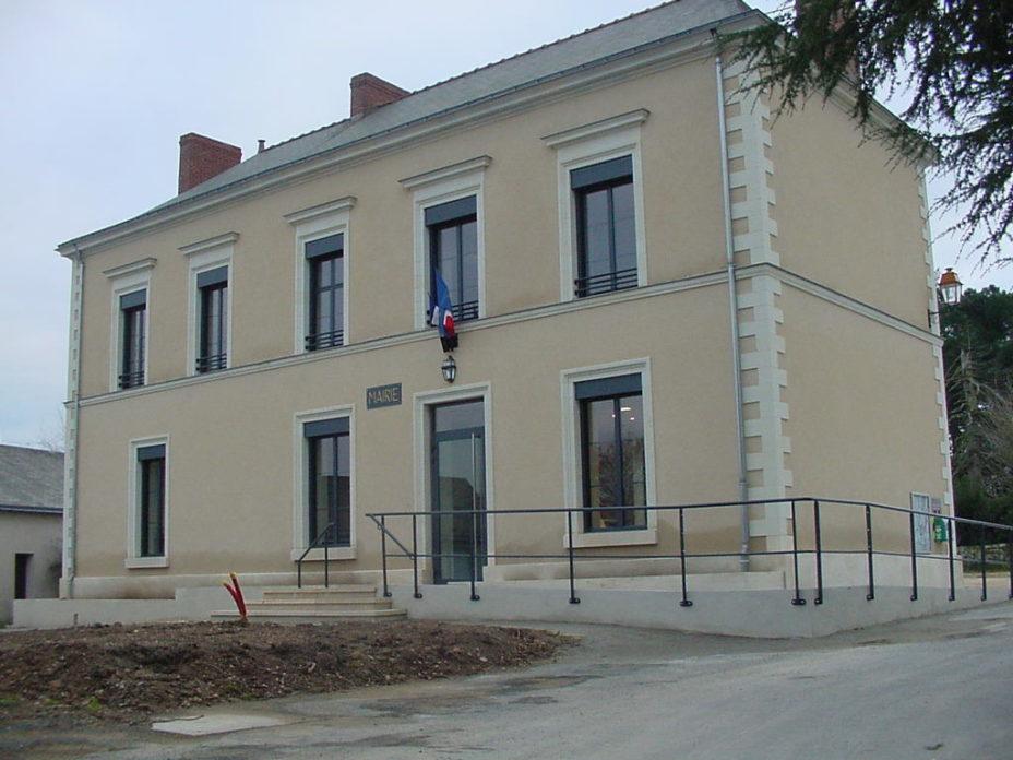 Mairie de Montreuil-sur-Maine